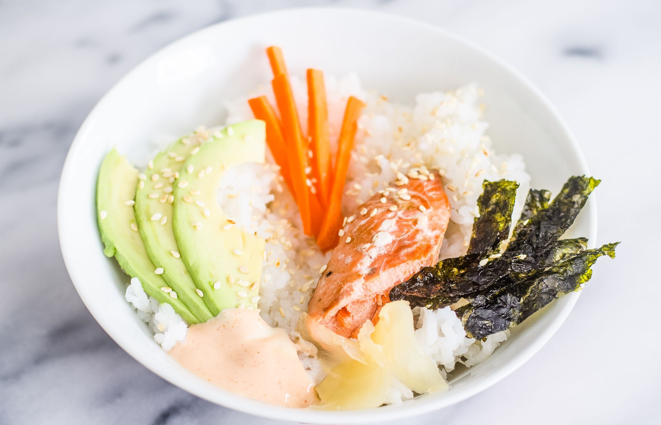Cuencos de arroz de sushi
