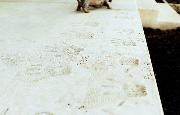Empremtes de mans al formigó