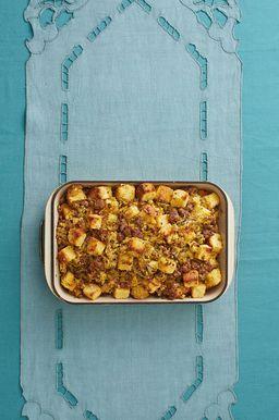 Aderezo de Pan de Maíz con Salchicha y Manzanas