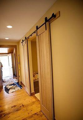 दिन ३११: स्नानघर खलिहान दरवाजे