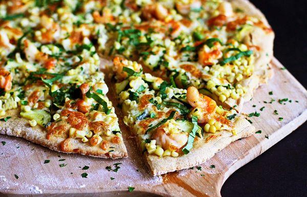 Pizza de camarones de verano