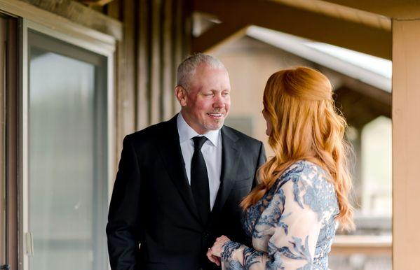 Ladd, nákrčník a svadba