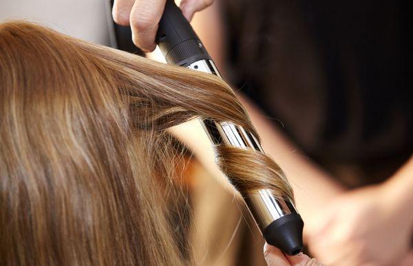 12 parimat kuumakaitset, mis säästavad juukseid kahjustuste eest