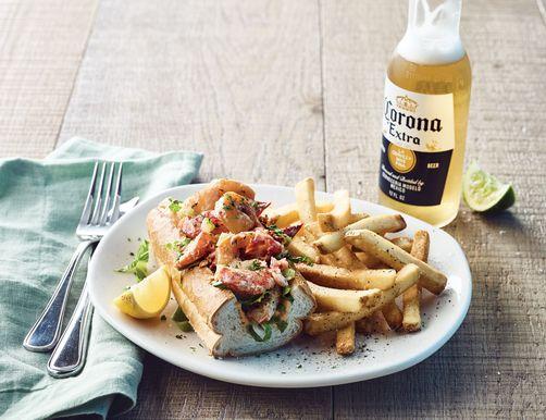 22 reštaurácií Otvorené 4. júla, pokiaľ ide o večeru, jedlo so sebou alebo donášku