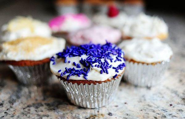 Vanillecupcakes met vanilleroomkaasglazuur
