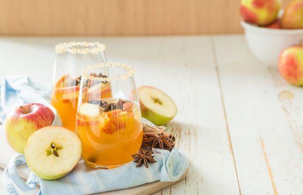 25 Pinakamahusay na Mga Cocktail ng Thanksgiving upang Mag-toast Sa Araw ng Turkey na Ito