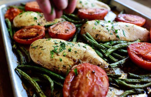 이탈리아 치킨 시트 팬 저녁 식사