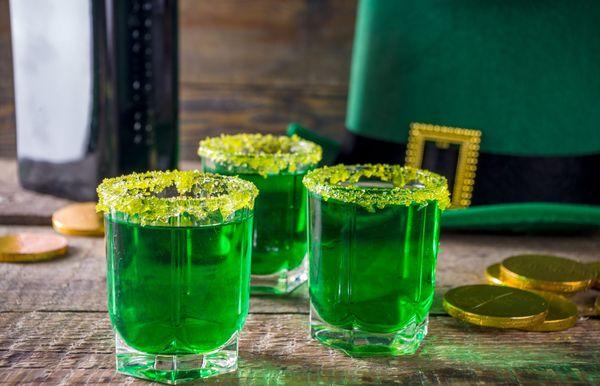 25 nejlepších nápojů na den svatého Patrika, které rozšíří irskou náladu