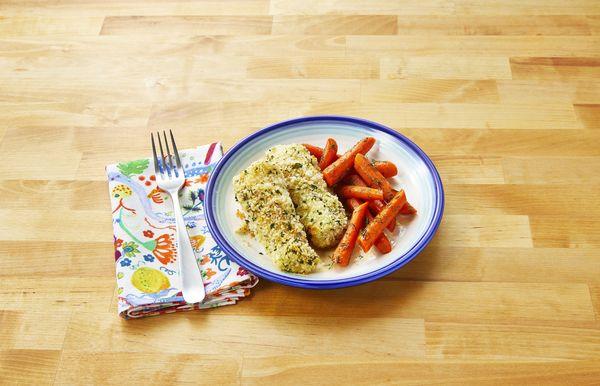 Bastoane de pește parmezan cu morcovi glazurați