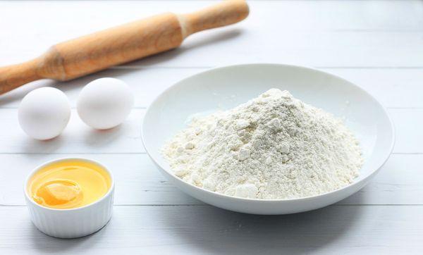 रोटी का आटा बनाम सर्व-उद्देश्यीय आटा: आपको किसका उपयोग करना चाहिए?